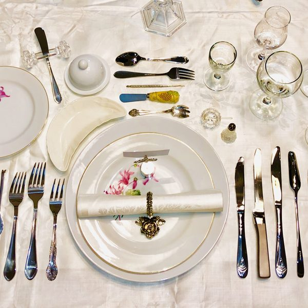 13_course_table_setting_French_style_overhead_view